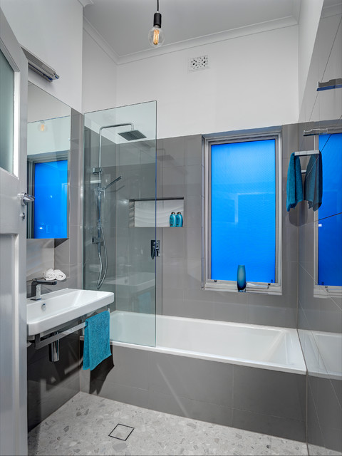 Award-Winning Futuristic Bathroom Design - Modern ...