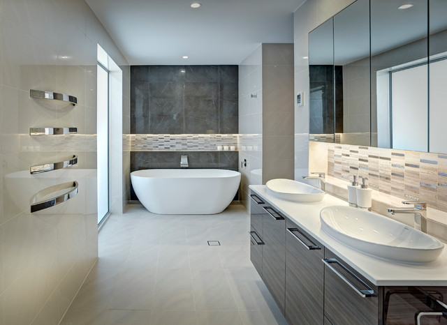 Award Winning Large Bathroom Contemporary Bathroom