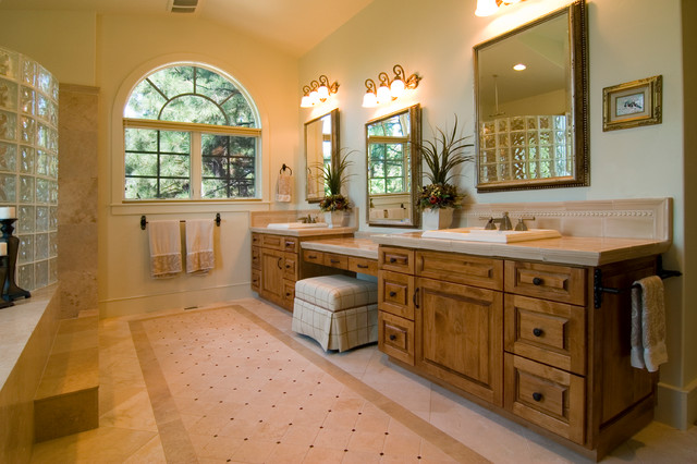 Awbrey Butte Mediterranean traditional-bathroom
