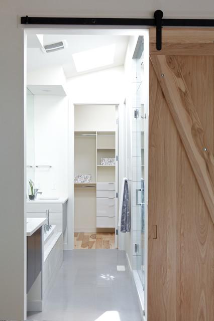 b15 contemporary-bathroom