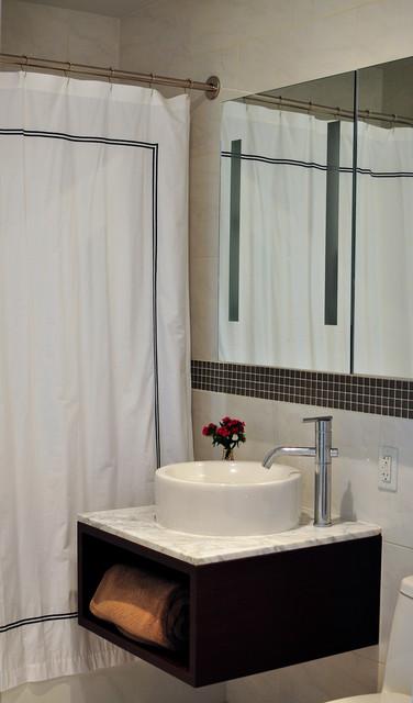 Bachelor pad bathroom for Bachelor bathroom ideas