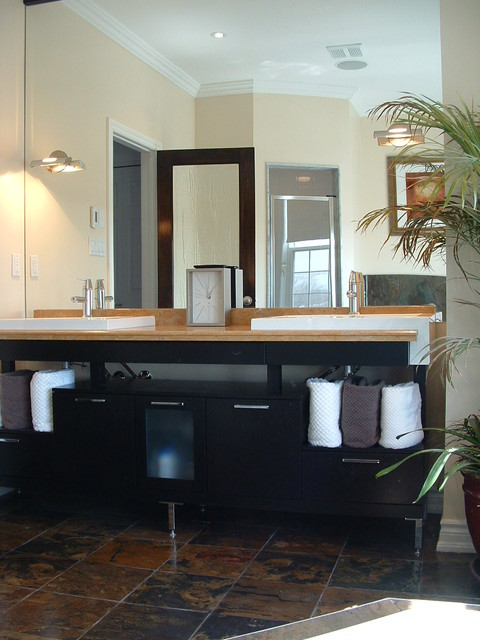 Bachelor pad contemporary bathroom toronto by mecc for Bachelor bathroom ideas