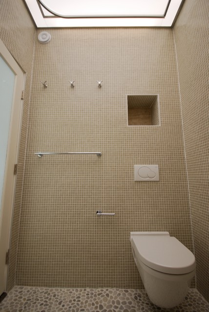 Baldwin Hills European Style Shower Bath