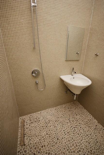 Baldwin Hills European Style Shower / Bath
