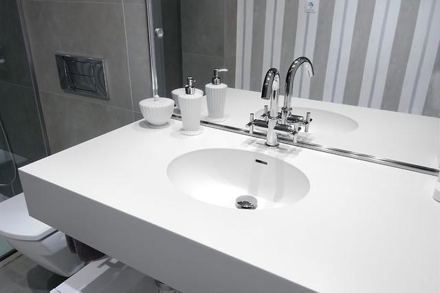 baño lagasca modern-bathroom