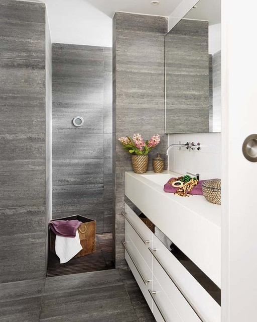 Barcelona Loft modern bathroom