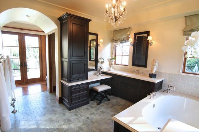Barnard Residence mediterranean-bathroom