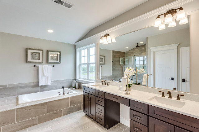 Should You Have One Sink Or Two In Your Master Bathroom