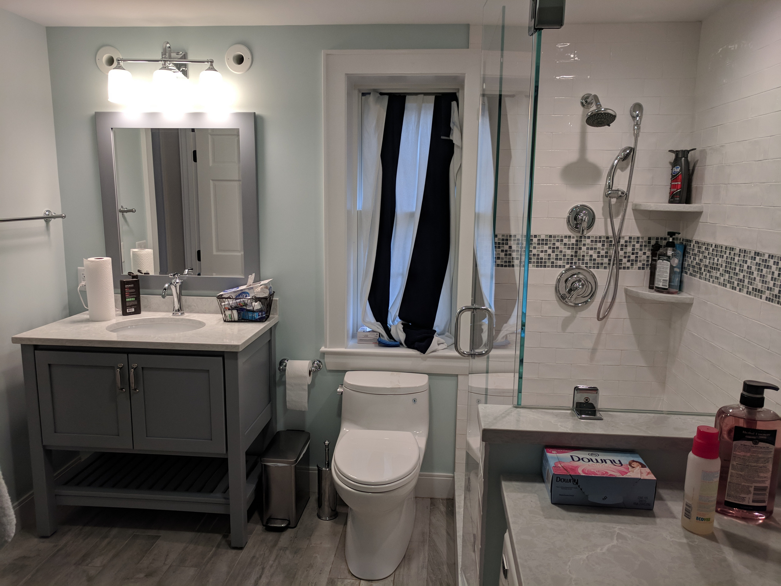 Basement bath and laundry space