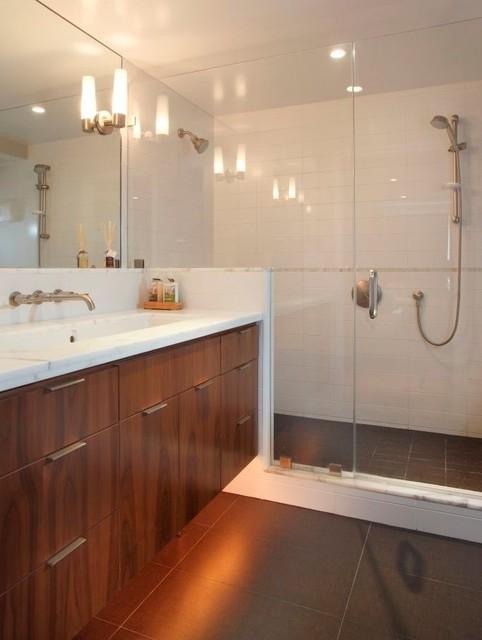 garage master suite modern-bathroom
