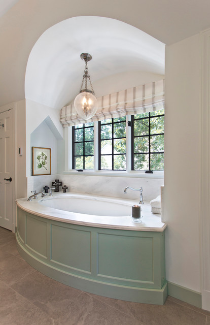 Bath Alcove With Windows