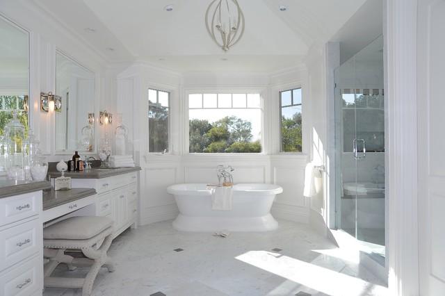 Bath beach-style-bathroom