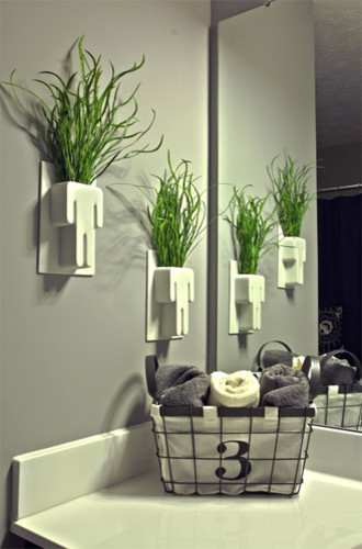 Bathroom accessories eclectic bathroom cincinnati for Bathroom decor vases