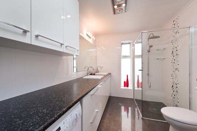 Bathroom & Laundry Combo - Modern - Bathroom - Adelaide ...
