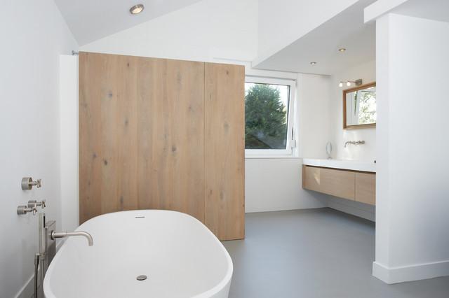 Introduce equipamiento de madera en el ba o y realza su dise o for Equipamiento banos