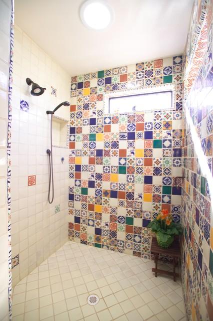Attrayant Tuscan Bathroom Photo In Phoenix