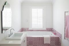 Paroles de pros : Une baignoire pour une petite salle de bains ?