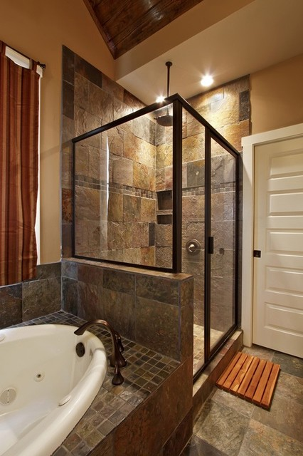 Bathroom designs traditional bathroom by luxe homes for Traditional master bathroom design ideas