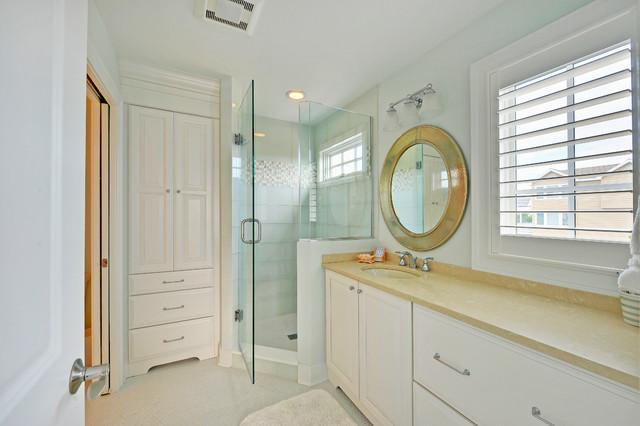 Bathroom transitional-bathroom