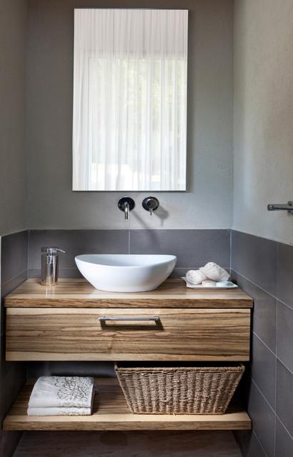 bathroom contemporary-bathroom