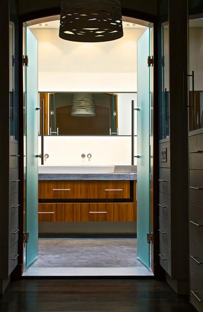 Bathroom Entry modern-bathroom