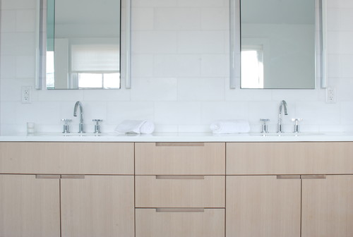 Are The Tiles White Glassos As Well As The Countertop