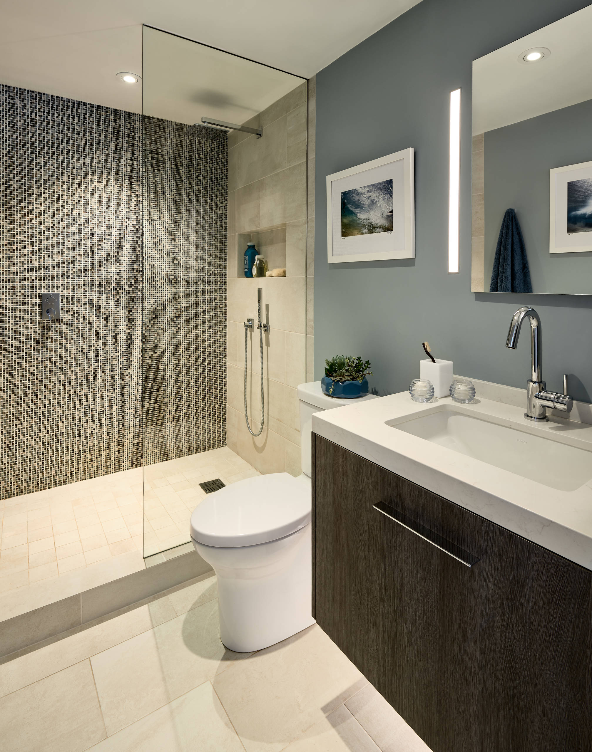 Must See Glass Tile Bathroom Pictures Ideas Before You Renovate 2020 Houzz