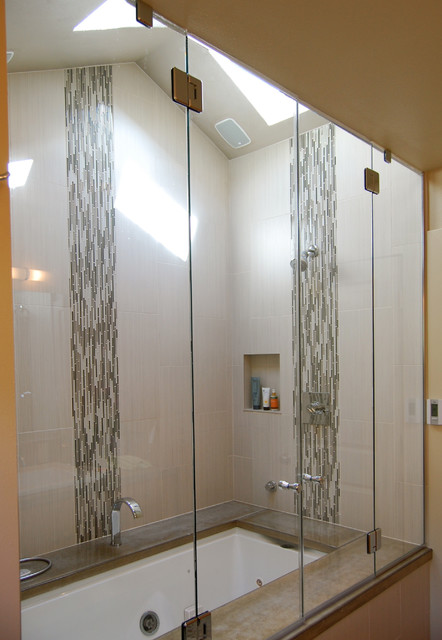 Accent Tile Stands Out In The Shower