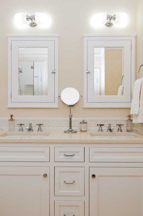60 double vanity what to do with mirrors and lighting - Traditional bathroom mirror with lights ...