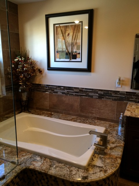 Bathroom remodel in sewell nj classique chic salle de - Salle de bain classique chic ...