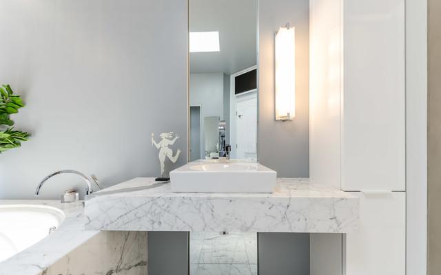Bathroom remodel phoenix az contemporary bathroom for Bath remodel phoenix
