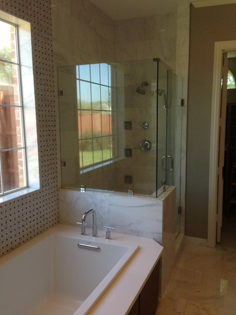 Bathroom remodeling traditional bathroom for Bath remodel dallas tx