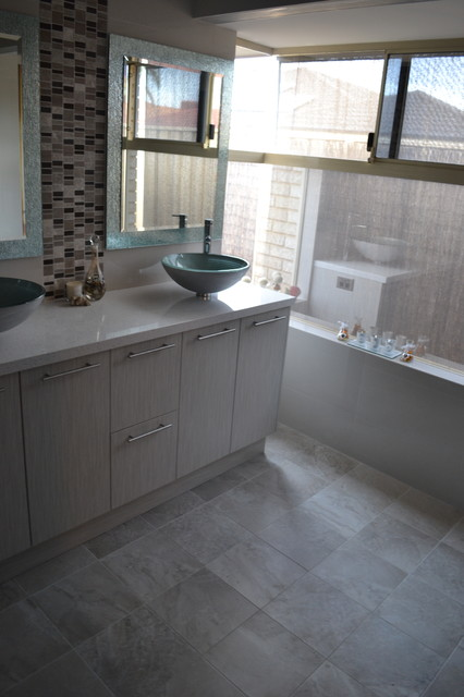 Bathroom renovation canning vale modern bathroom for Bathroom decor willetton