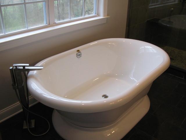 Bathroom renovation classique salle de bain for Salle de bain classique
