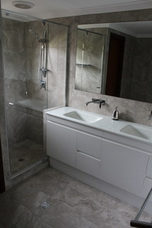 Bathroom renovations willetton wall for Bathroom decor willetton