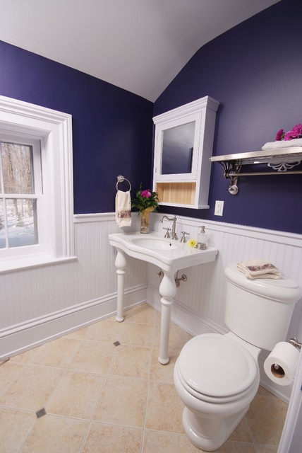 Bathroom restored traditional bathroom cleveland for Bathroom ideas navy blue