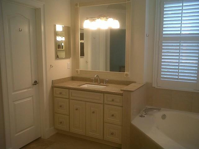 25 creative bathroom vanities jacksonville for Bathroom design jacksonville fl