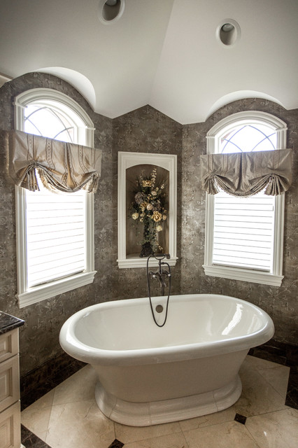 Bathroom window treatments traditional bathroom for Bathroom window treatments