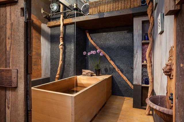 Bathroom With Japanese Wooden Soaking Tub - Outdoor japanese soaking tub