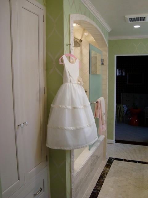 2011 Pasadena Showcase House traditional-bathroom