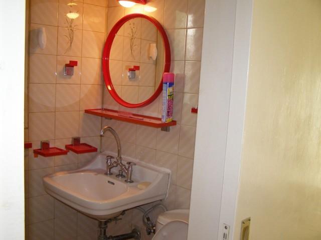 bathroom2(1).JPG contemporary-bathroom