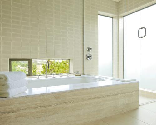 Naturstein im Bad: so reinigen Sie Sandstein, Granit & Travertin