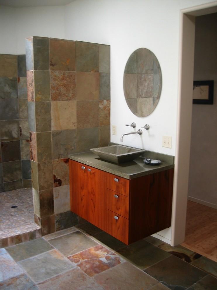 Immagine di una stanza da bagno design