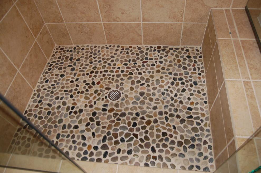 Bathroom - bathroom idea in Cincinnati