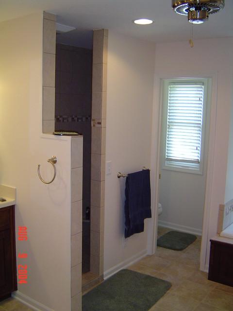Bathrooms traditional bathroom kansas city by for Bathroom remodel kansas city