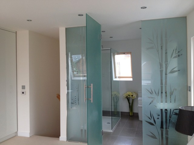 Bathrooms contemporary bathroom oxfordshire by for Bathroom design oxfordshire