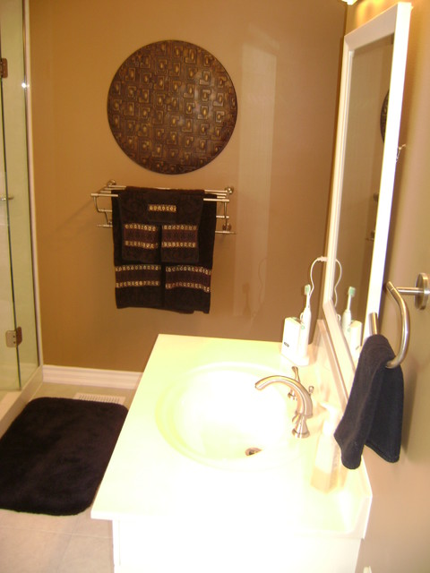 Bathrooms/Powder Rooms traditional-bathroom