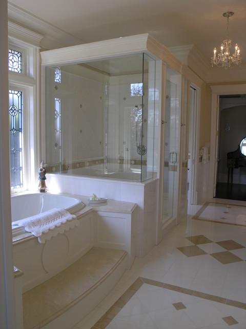 Bathrooms - Traditional bathroom