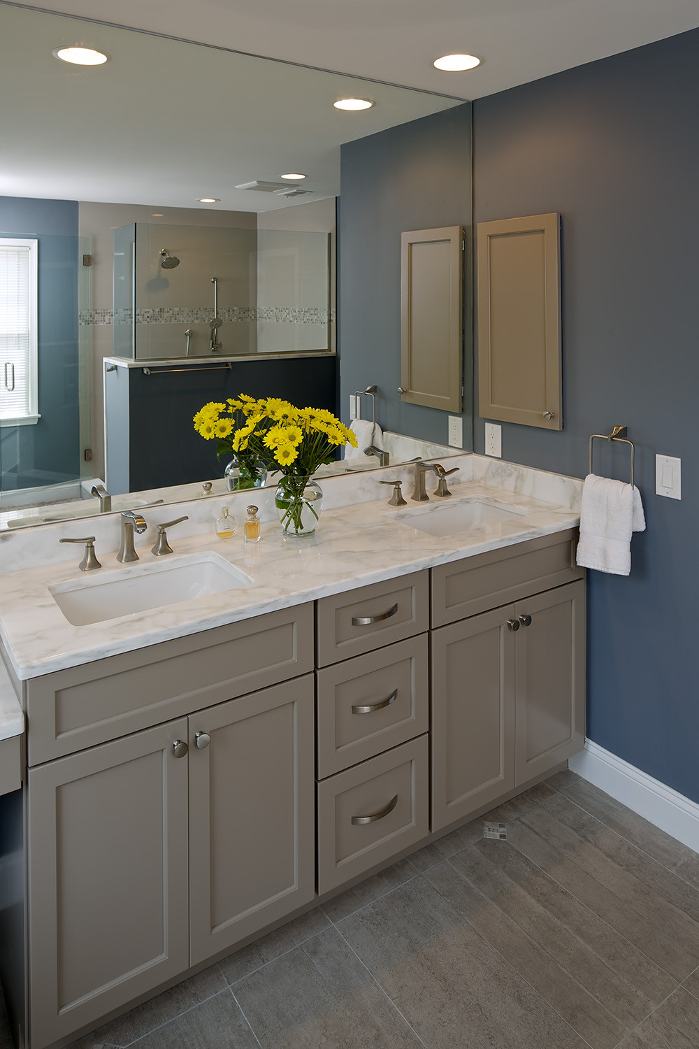 Bathrooms With Painted Wood
