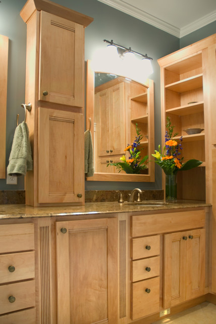 Baths Traditional Bathroom Grand Rapids By Dreammaker Bath Kitchen Of Greater Grand Rapids